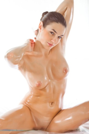 Oiled Babes Pics