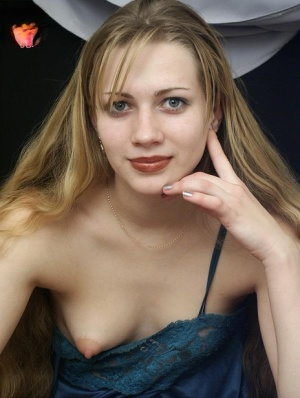 Babes With Small Tits Pics