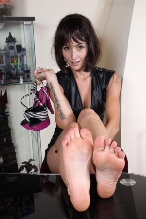 Footsie Babes Pics