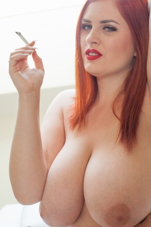 Smoking Babes Pics