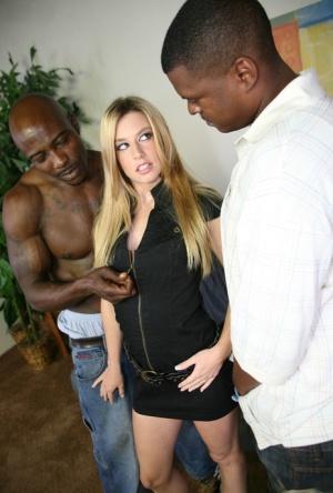 Interracial Babes Pics