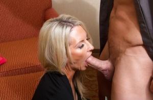 Deep Throat Babes Pics