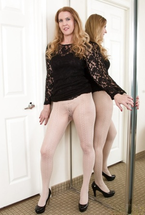 Pantyhose Babes Pics